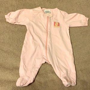Pink newborn pajamas up to 7lb